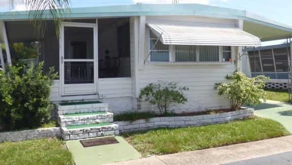 001 Wide4 575x325 - GREAT LOCATION - ACROSS FROM COUNTRYSIDE MALL
