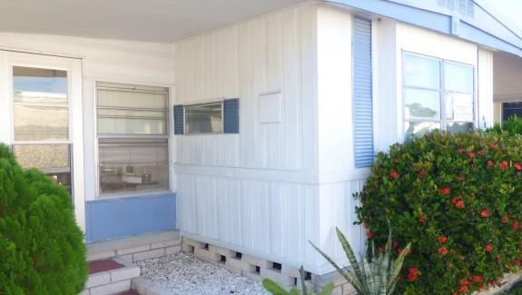 Used Mobile Home For Sale 003 Wide 575x325 - NICE AFFORDABLE 2 BEDROOM IN GREAT AREA