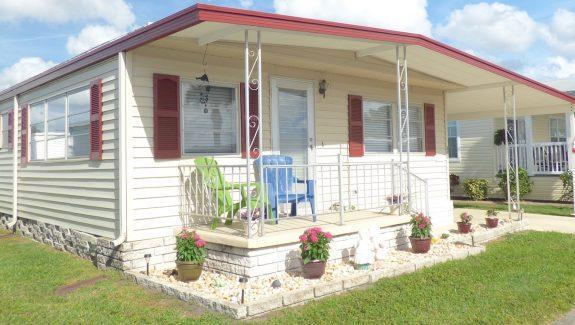 Used Mobile Home For Sale 001 Wide 1 575x325 - COMPLETELY READY... JUST MOVE IN