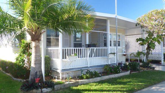 Mobile Home For Sale - Largo, FL Lincolnshire Estates #719