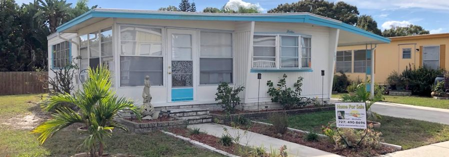 mobile home for sale 20181210 041 Wide 898x315 - LOVELY 2 BEDROOM BACKS UP TO A FENCE!