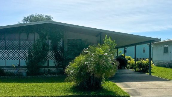 mobile home for sale 20200429 003 wide 575x325 - BEAUTIFUL FULLY FURNISHED HOME!  LOVELY SCREENED PATIO!